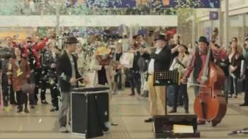 Šok ve Vídni: Carmina Burana na nádraží