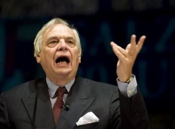Alexander Pereira pohrozil…