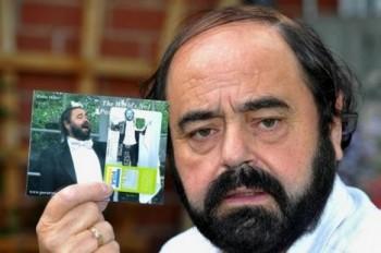 Banka versus Luciano Pavarotti aneb Tahanice o platební kartu