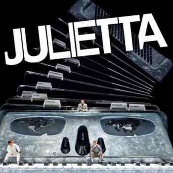 Julietta si udělala výlet do Londýna