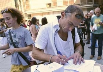 Odvolejte ministryni Hanákovou, žádají Nečase signatáři petice. Podepsali i všichni šéfové souborů Národního divadla.