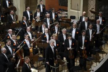 Česká filharmonie a návrat ztraceného šéfdirigenta