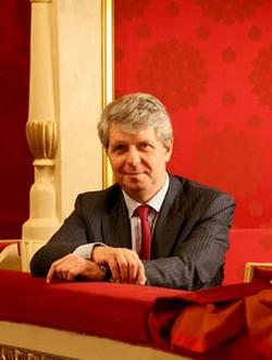 Dluhy a možný utěk ředitele La Scaly ke konkurenci
