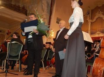 V Karlových Varech soutěží už po sedmačtyřicáté mladí zpěváci aneb Pohled do zákulisí klání