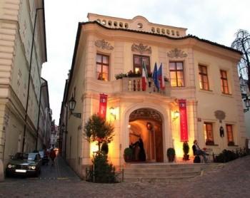 Tady v Praze teď bydlí Danielle de Niese