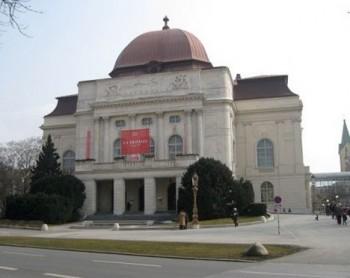 Oper Graz: Herheim a Konwitschny – studená Manon Lescaut a dramatická Traviata