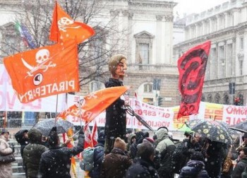 Bouřlivé protesty před divadlem a velké drama uvnitř: La Scala otevřela sezonu novým Lohengrinem