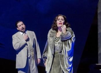 Rozpaky nad Verdiho novým Maškarním plesem v Met