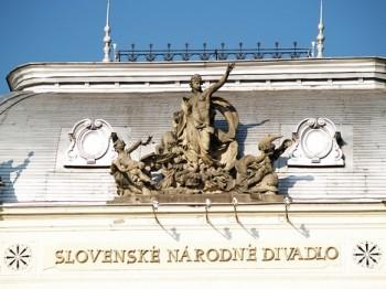 Opera Slovenského národního divadla v pohádce a v realitě