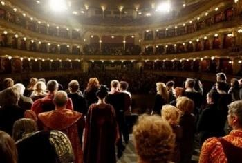 Jak blízko je opera v Česku od okraje propasti? Co s tím?