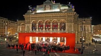 Opernball 2013 ve Wiener Staatsoper: celebritám zazpívá Plachetka