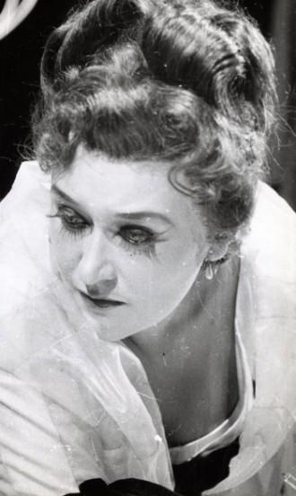 Giuseppe Verdi: La traviata - Libuše BLáhová (Traviata) (foto archiv DJKT)