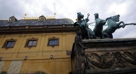 Průběžná zpráva o stavu opery u nás