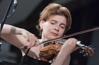 Vengerova v Českém Krumlově nahradí nahradí první houslistka Vídeňských filharmoniků