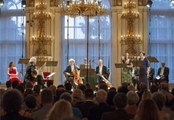 Glosa: Letní slavnosti zahájil Cantus Cölln na Hradě