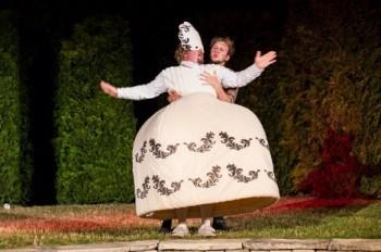 Cudná dáma v opeře. Neznáte ji?