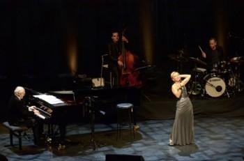 Vídeň: jubilejní Grimes a šansony s Natalií Dessay