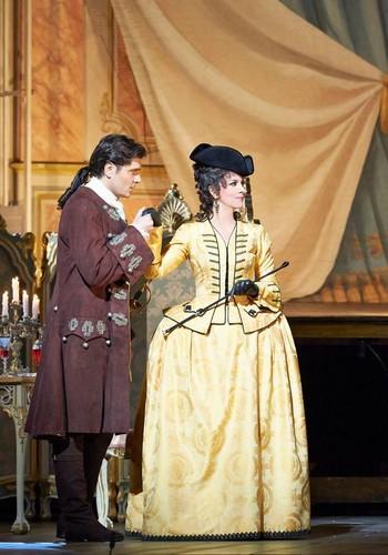 Angela Gheorghiu jako Adriana Lecouvreur ve Vídeňské státní opeře