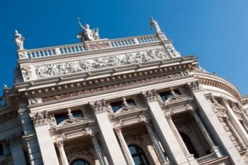 Kauza ve Vídni: Burgtheater