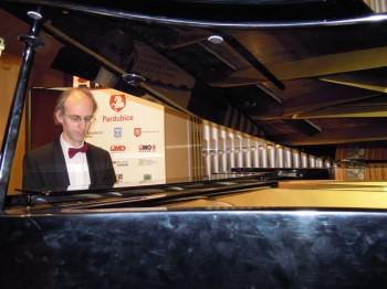 Houslový recitál – Igor Ardašev (klavír) – Pardubice 2014 (foto Jana Macáková)