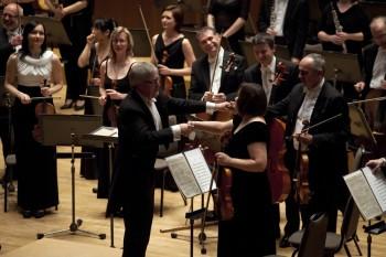Pardubické hudební jaro (zahajovací koncert) – Petr Altrichter (dirigent) a Komorní filharmonie Pardubice – Sukova síň Pardubice 2014 (foto Lada a Miloš Kolesárovi)