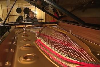 Filharmonie Brno má nový klavír slavné značky Steinway