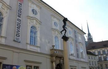 Národní divadlo Brno chystá operní thriller na motivy Alenky