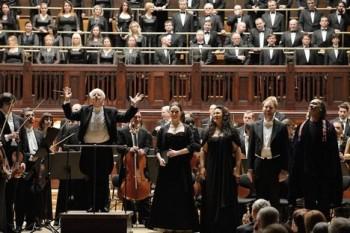 Missa solemnis a Helmuth Rilling