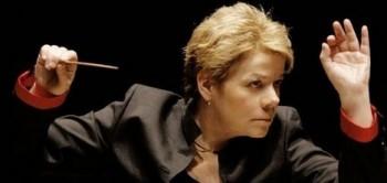 Přiměje americká dirigentka Marin Alsop swingovat české filharmoniky?
