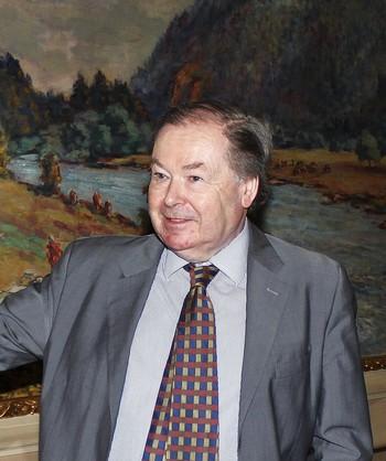 Nicholas Payne: Bylo by pošetilé hrát pouze Tosku, Aidu nebo Carmen