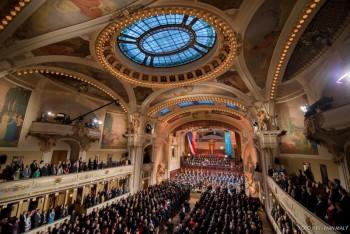 Bělohlávek zahájil Pražské jaro, poprvé po letech u toho nebyl prezident