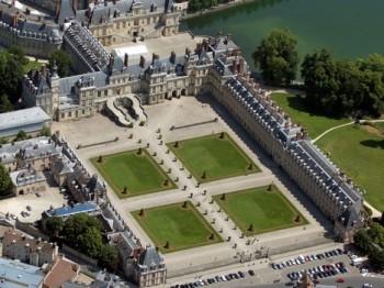 Ve Fontainebleau otevírají divadlo v komplexu zámku