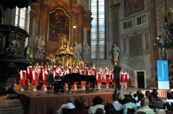 Královéhradecký dětský sbor Jitro na Pražském jaru