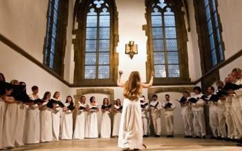Soubor Victoria Ensemble provedl neznámé francouzské šansony