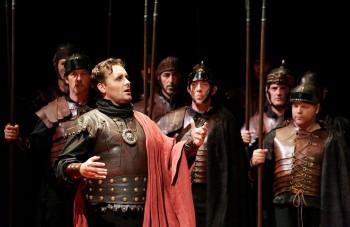 Rossini Opera Festival Pesaro: dva tituly se stejnou předehrou