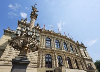 Hráči Berlínské a Vídeňské filharmonie v jednom večeru na Dvořákově Praze