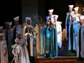 Glosa: Hosté v opeře SND
