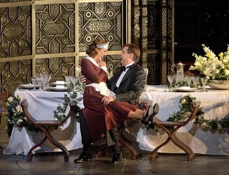Rozporuplné ohlasy na premiéru Figarovy svatby v Met