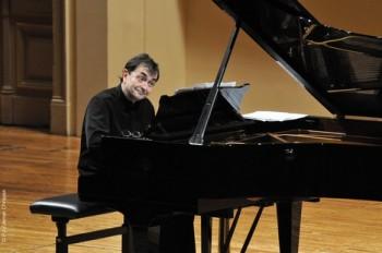 Glosa: Bach průzračný a soustředěný