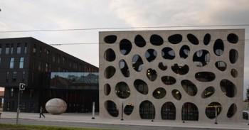 Hasiči i záchranáři trénovali v divadle v Plzni