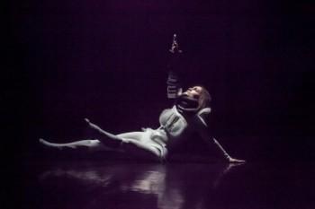 Vesmír je tančící žena
