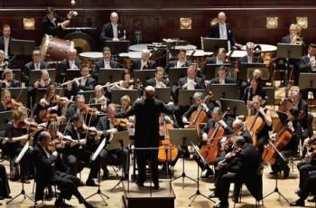 Braunfelsovo Te Deum s Českou filharmonií, filmová hudba s FOKem
