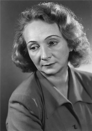 Před 45 lety zemřela Marta Krásová. Hlas, jaký Národní od té doby neslyšelo