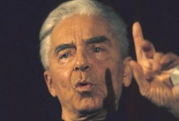 Karajan. Pozorný služebník tvůrců