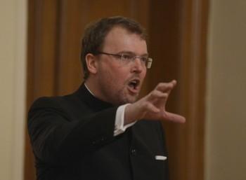 Glosa: písňový recitál Tomasze Konieczného v Praze
