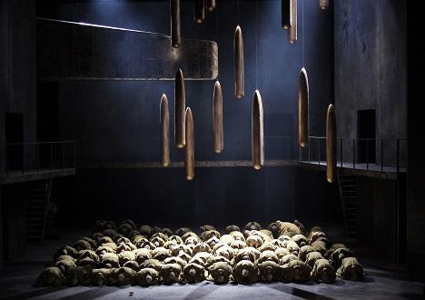 Boris Godunov a ruský lid v Národním divadle roku 2015