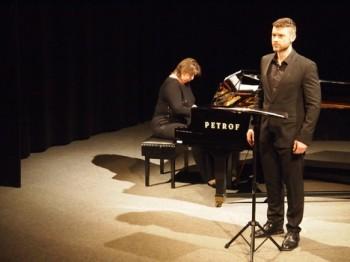 Třeboňské jaro 2015 - Randall Scotting (kontratenor), Gabriella Gyökér (klavír) - Divadlo J. K. Tyla Třeboň