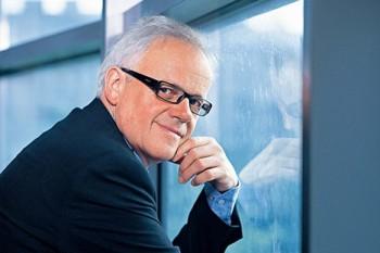 V čele vídeňské Volksoper zůstává až do roku 2022 Robert Meyer