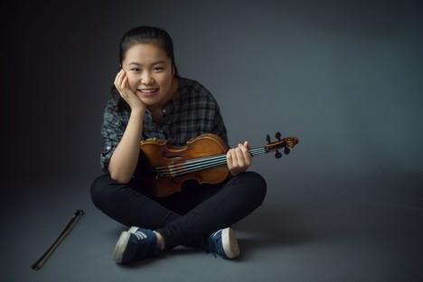 Neuvěřitelná muzikalita, zářící oktávy, dokonalá tvorba tónu. Je jí 14