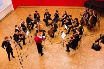 Ensemble Opera Diversa: Nad propastí